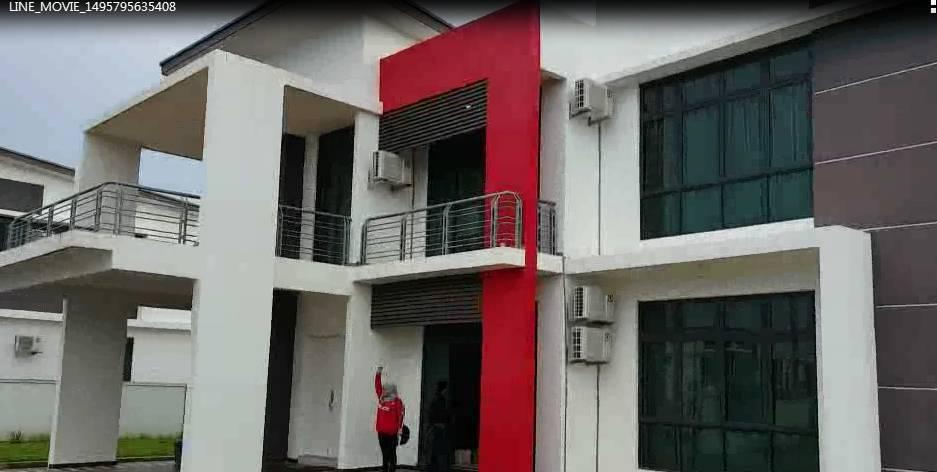 桃園市嚴姓男子為首的詐騙詐團集團,涉嫌從2017年間就在印尼等地租賃豪宅詐騙大陸...