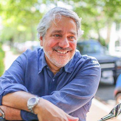 現年60歲的「移民餐廳」聯合創辦人謝克特(Peter Schechter)曾是一...