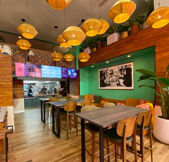 「移民餐廳」內的裝潢充滿異國風情。取自IG(@immigrantfood)