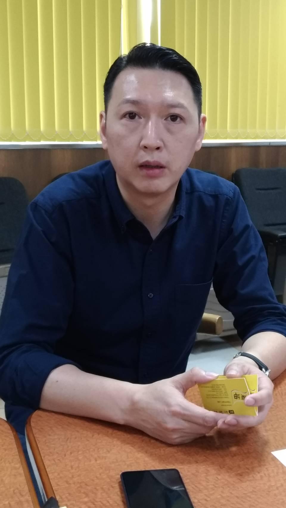 上任僅七個多月的燦坤(2430)實業總經理李佳峰18日請辭,引發3C通路震撼。記...