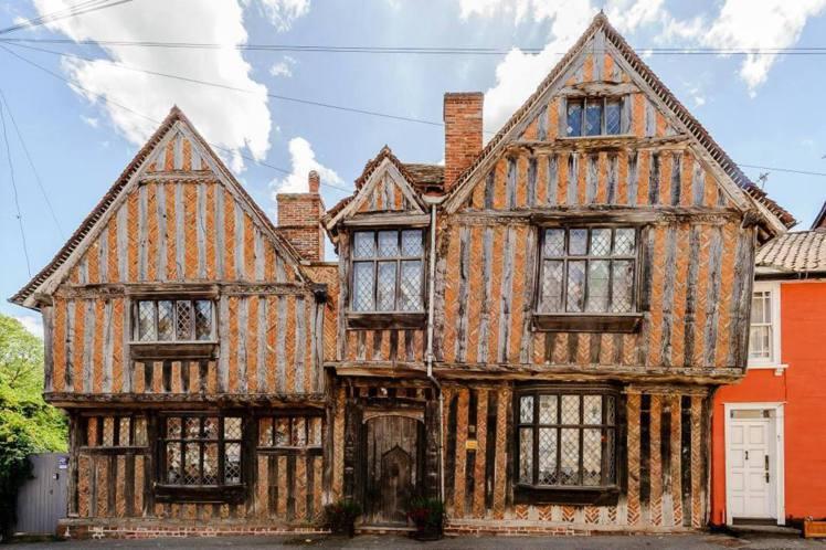 哈利波特出生地高椎客洞,其實是位於英格蘭薩福克郡的拉文納姆小鎮中的房子De Ve...