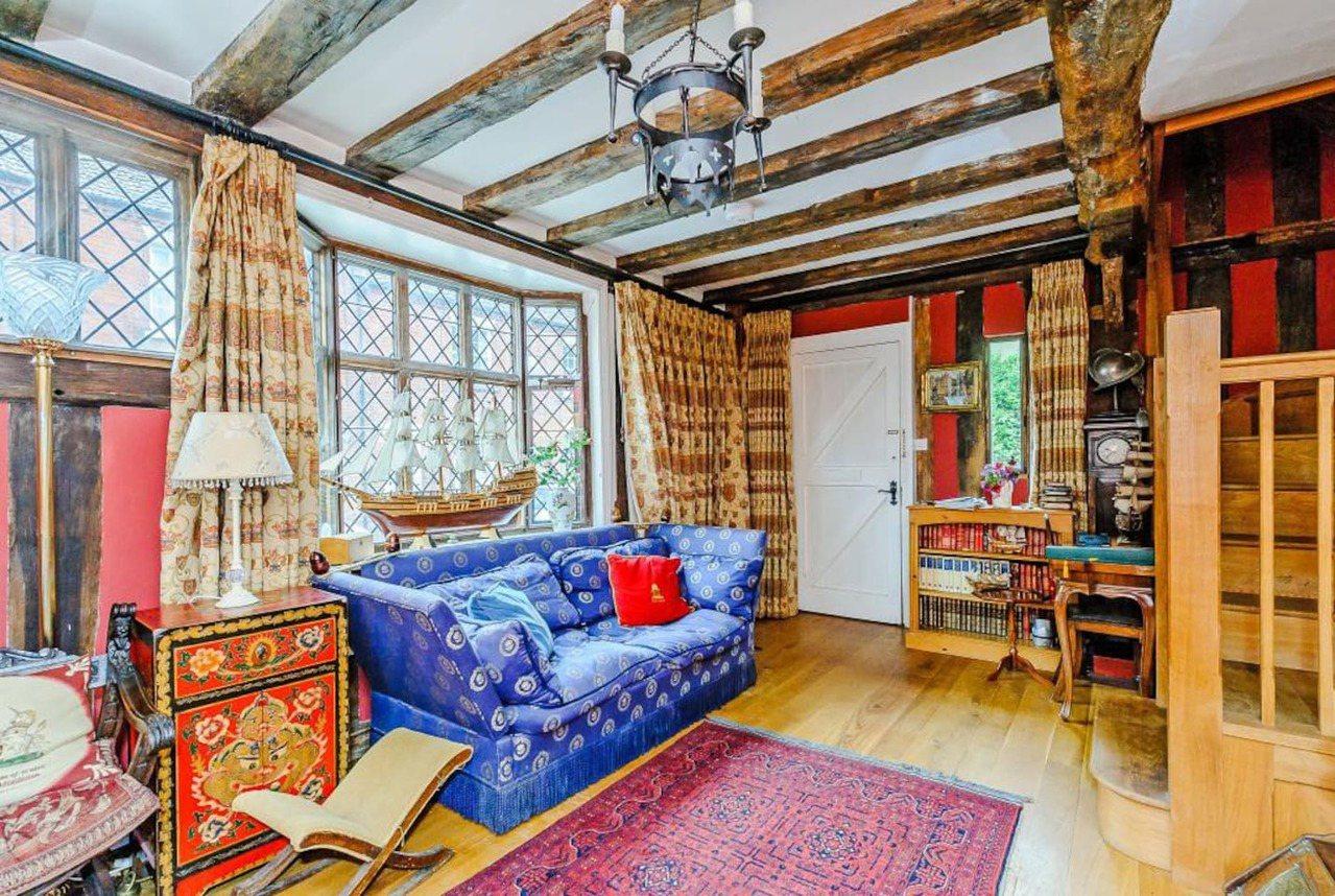 內部的各項設施完備,不因為是有歷史的老房子而看起來老舊。圖/摘自devereho...