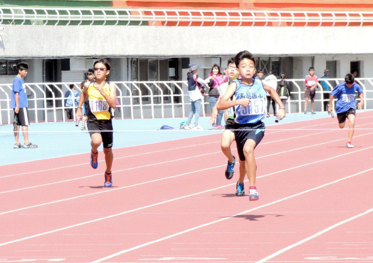 甫落幕的台東縣中小學田徑對抗賽,共有7項14人次破大會成績亮眼。記者羅紹平/攝影