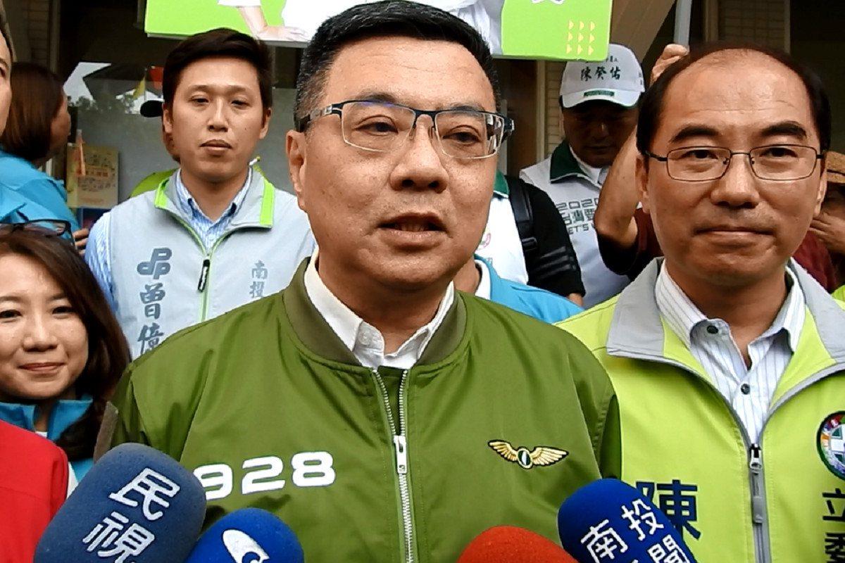 民進黨主席卓榮泰今天狂提「無私」,而被詢問是否暗示國民黨主席吳敦義自私,他則回「...