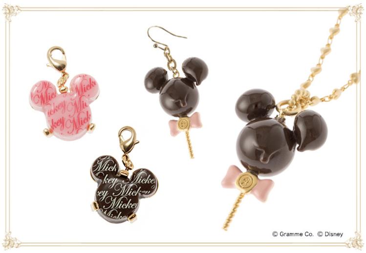 可愛米奇、米妮棒棒糖巧克力造型項鍊13,000日圓+稅、吊飾4,500日圓+稅、...