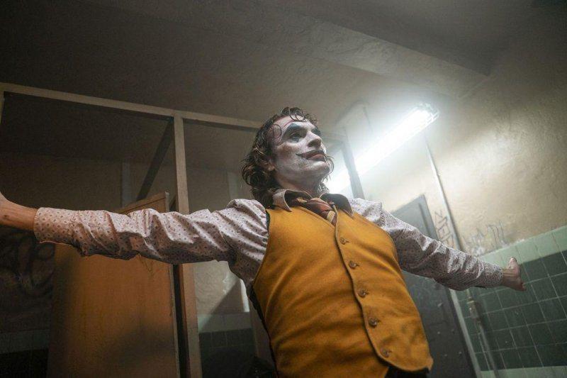 瓦昆菲尼克斯在「小丑」的精湛演出,有望提名明年奧斯卡獎影帝。圖/華納兄弟提供