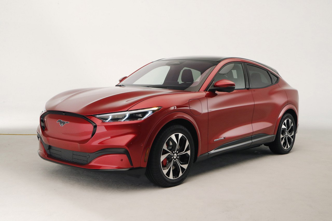 福特公司宣布推出第一輛全電動多功能車(SUV)。 美聯社