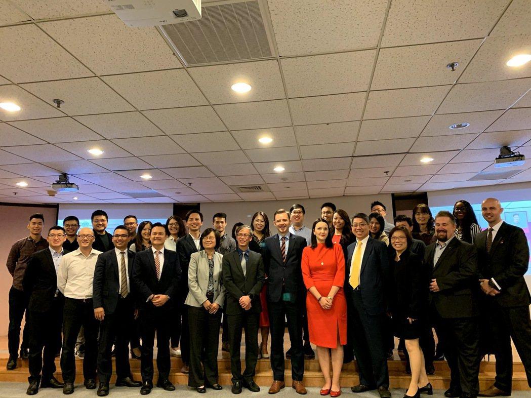 波蘭軟體商TTPSC以亞洲傳科資訊落腳台灣,日前舉行亞洲辦公室開幕典禮,來自經濟...