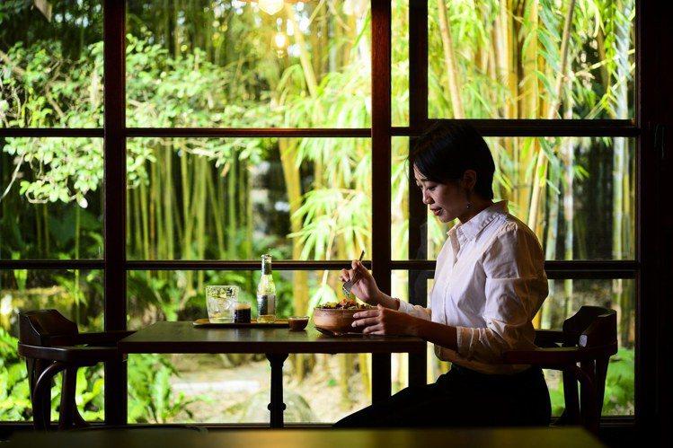 可一邊喝咖啡,一邊欣賞庭園造景,享受遠離城市喧囂。圖/cama提供