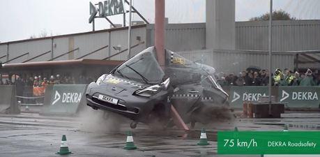 影/將Euro NCAP五顆星的第一代Nissan Leaf 以超高速度撞測會如何?