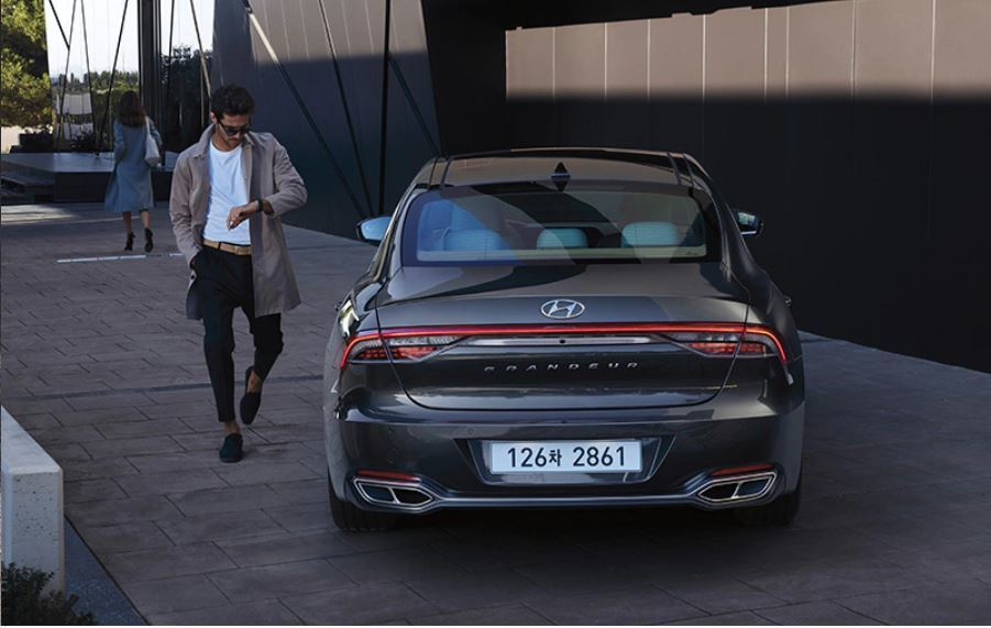 小改款Hyundai Grandeur。 摘自Hyundai