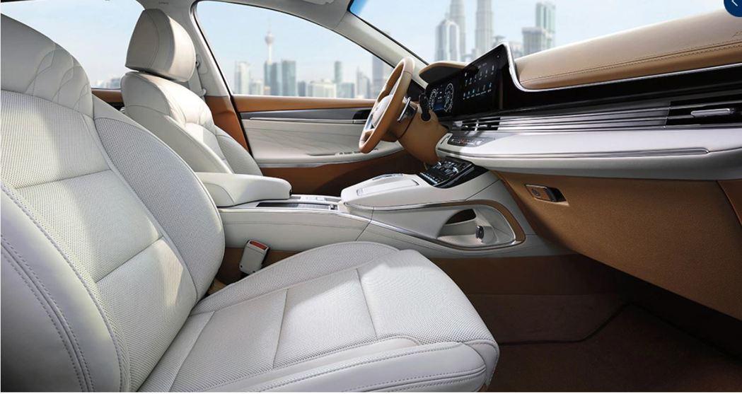 小改款Hyundai Grandeur將內裝升級後,讓這輛暢銷旗艦房車更有豪華的...