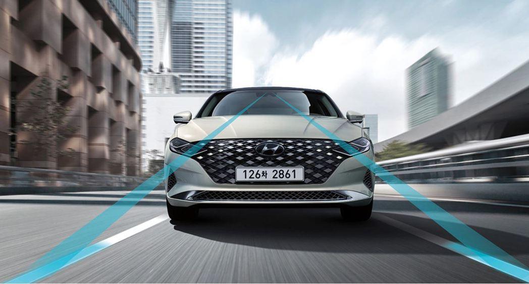 小改款Hyundai Grandeur配置多種安全配備。 摘自Hyundai