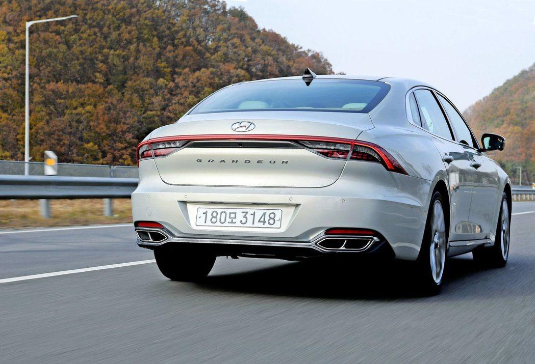 小改款Hyundai Grandeur今年在韓國國內的銷售已突破十萬輛,成為20...