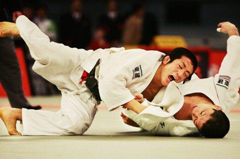「為了生命安全,柔道每天不得超過2小時?」日本今年度因為小學生長時間練習柔道,導...