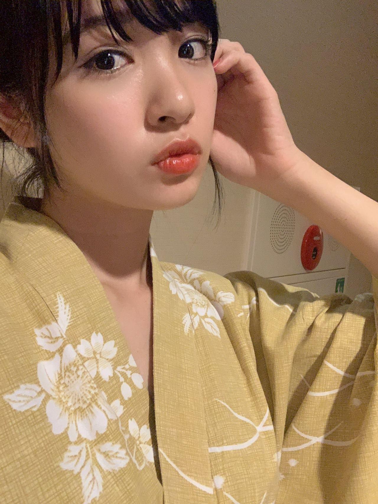 早稻田大學出身的望月優夢,興趣是電影、看書、跳舞,將來想成為女主播。 圖擷自望月...