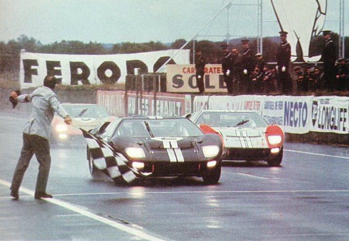 Ford在1966年的「利曼24 小時耐力賽」成功打破Ferrari 五連冠紀錄...