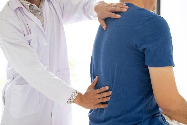 根據統計指出,80%的人一生中至少會有一次嚴重的腰痠背痛經驗,到底原因為何?圖/...