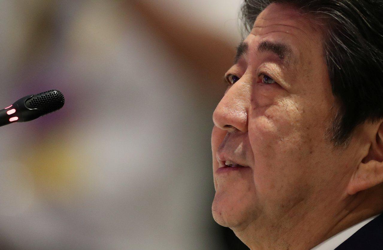 安倍晉三將成為日本憲政史上在任最久的首相。路透