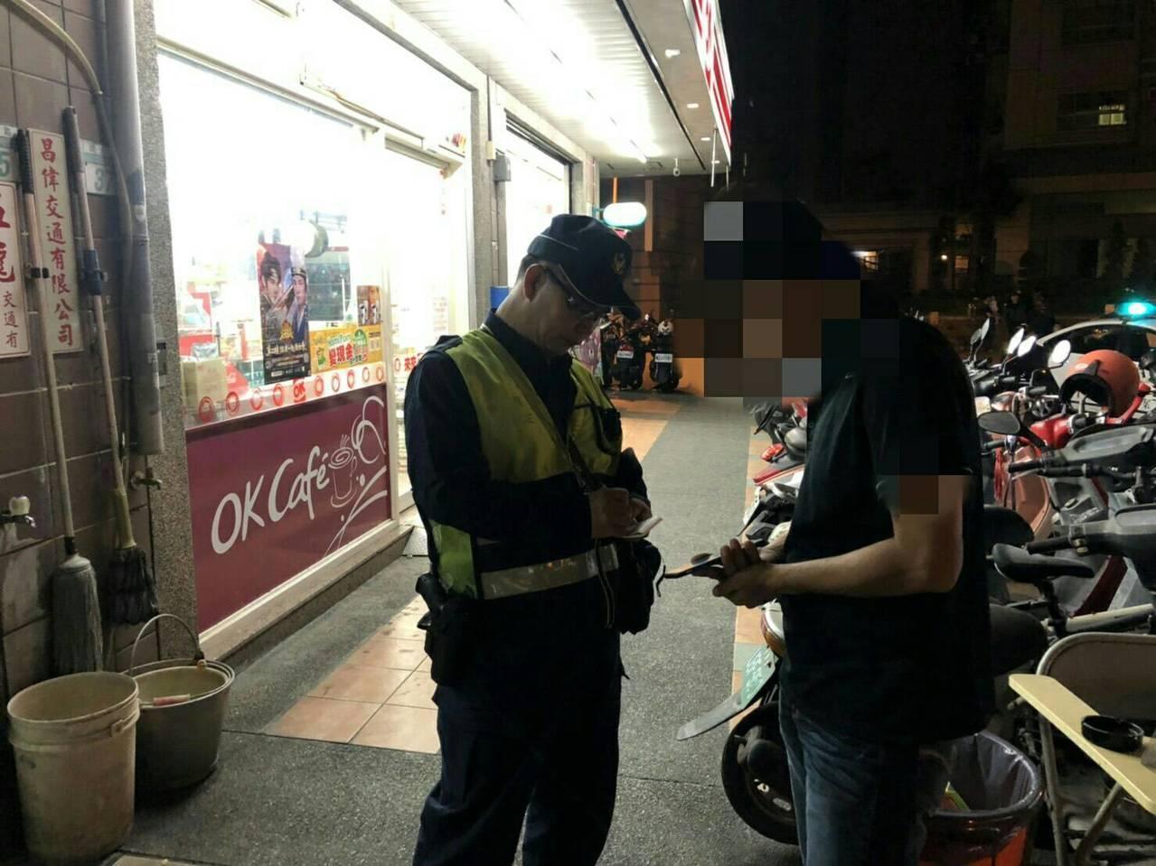 51歲的張姓男子透過網路交友,對方要求得先購買3千元遊戲數,經台南市警五分局開元...
