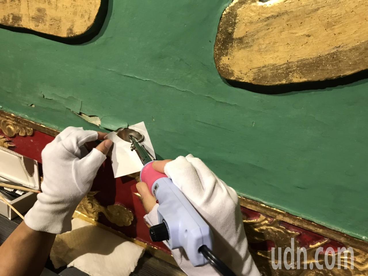 台南孔廟八方御匾目前正在修復當中,開放參觀。圖/文資處提供