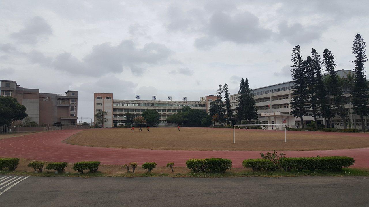 有近50年歷史的龍德家商將轉型改制為私立耶魯雙語國中小學。記者胡蓬生/攝影