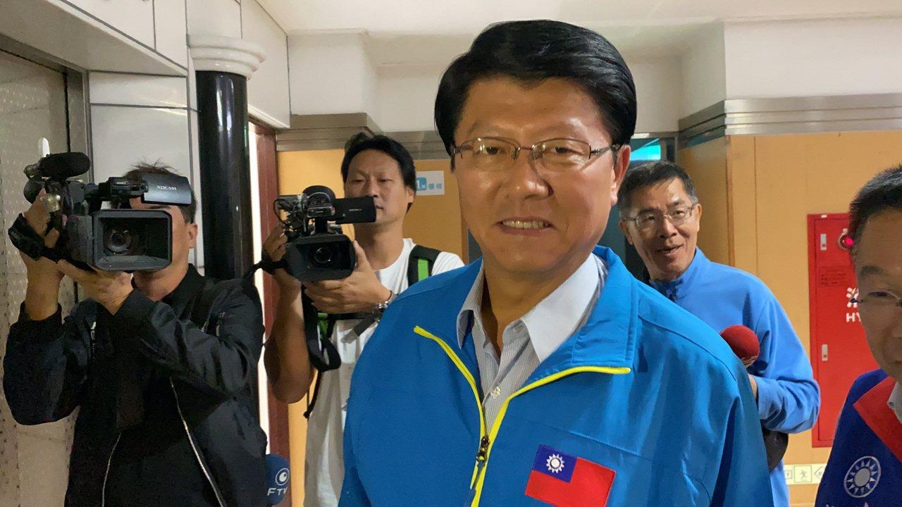 國民黨台南市黨部主委謝龍介宣布留在不分區名單中。記者鄭維真/攝影