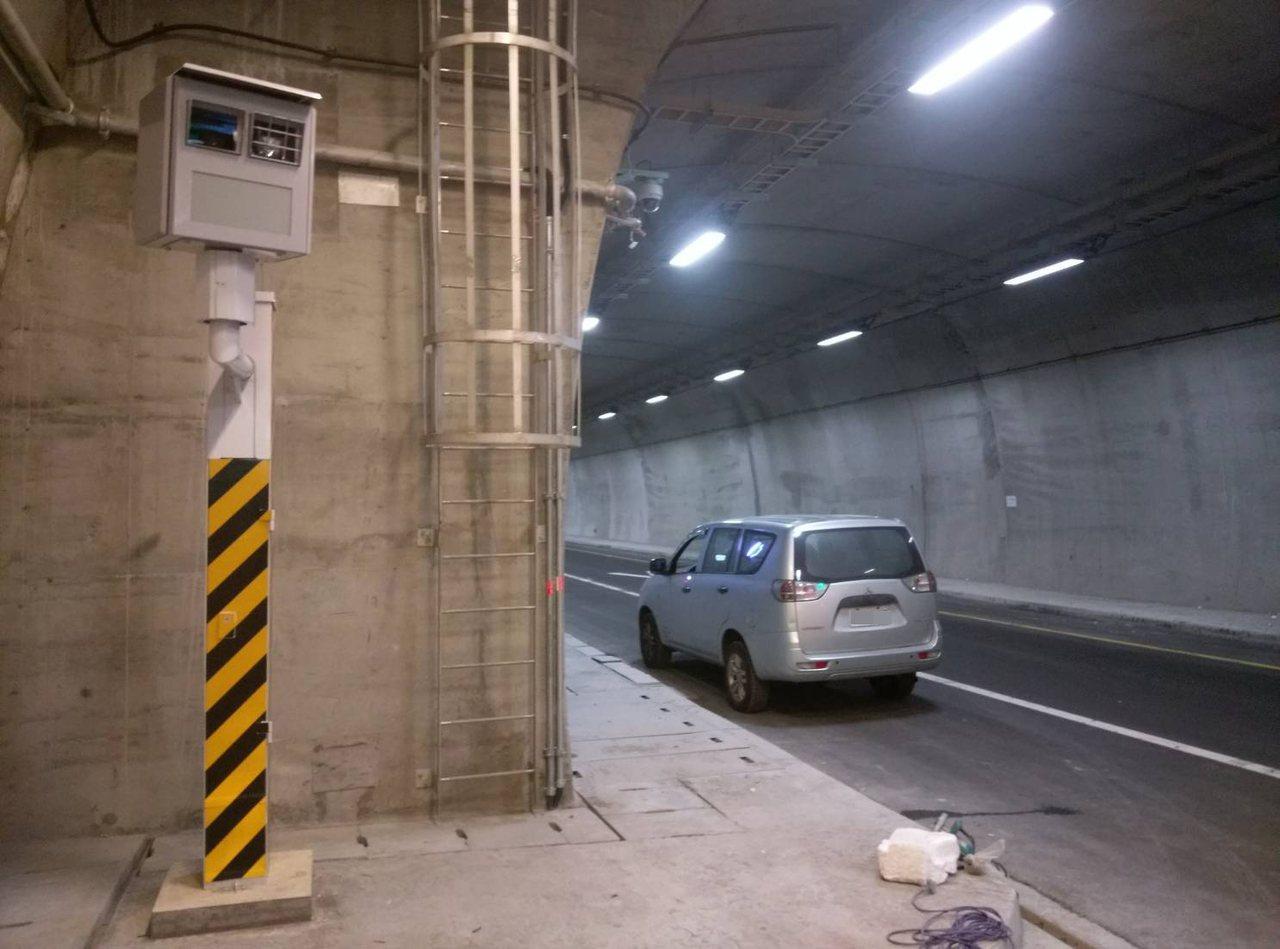 第3名蘇澳鎮台9線110公里又300公尺(東澳隧道北上),有7584件。圖/警方...