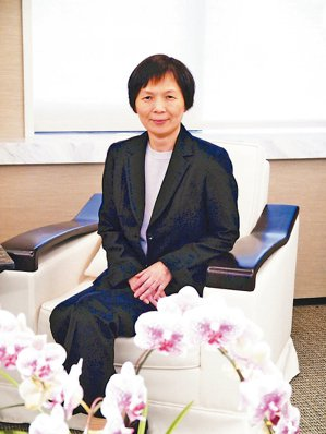 國泰證券國際金融處資深副總徐秀玲