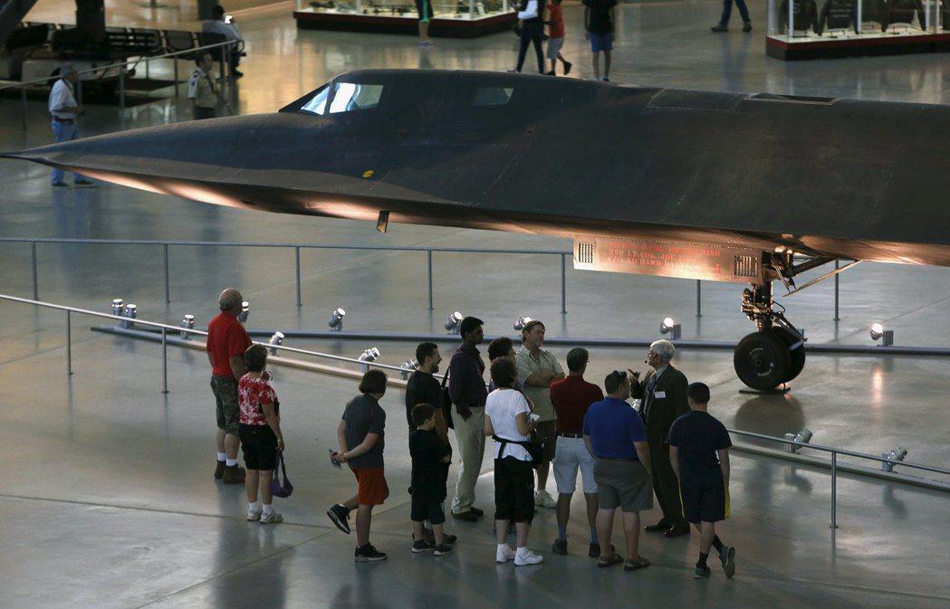 自1999年最後一次飛行後,功成身退的黑鳥飛機就被送入了博物館。 (路透)