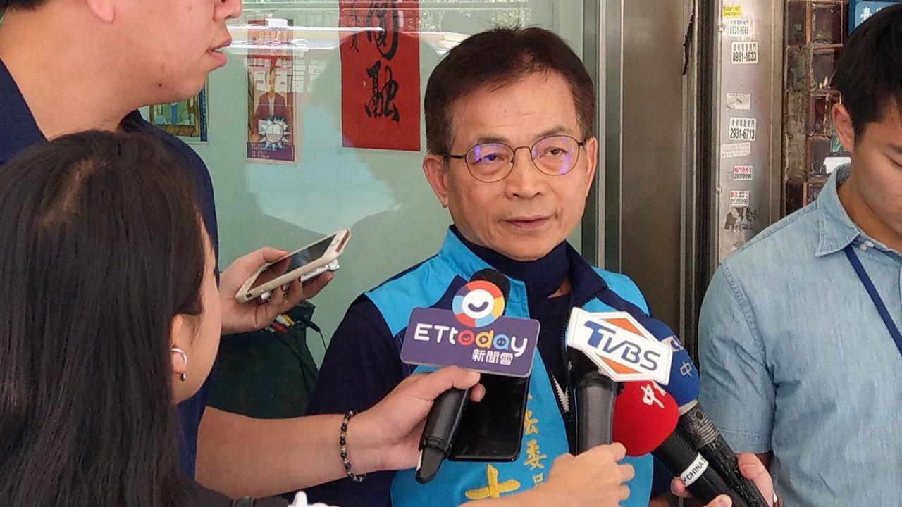 立委賴士葆今天在立法院財委會爆料,這是因為執政黨內部派系在搶位子,只好先安排魏江...