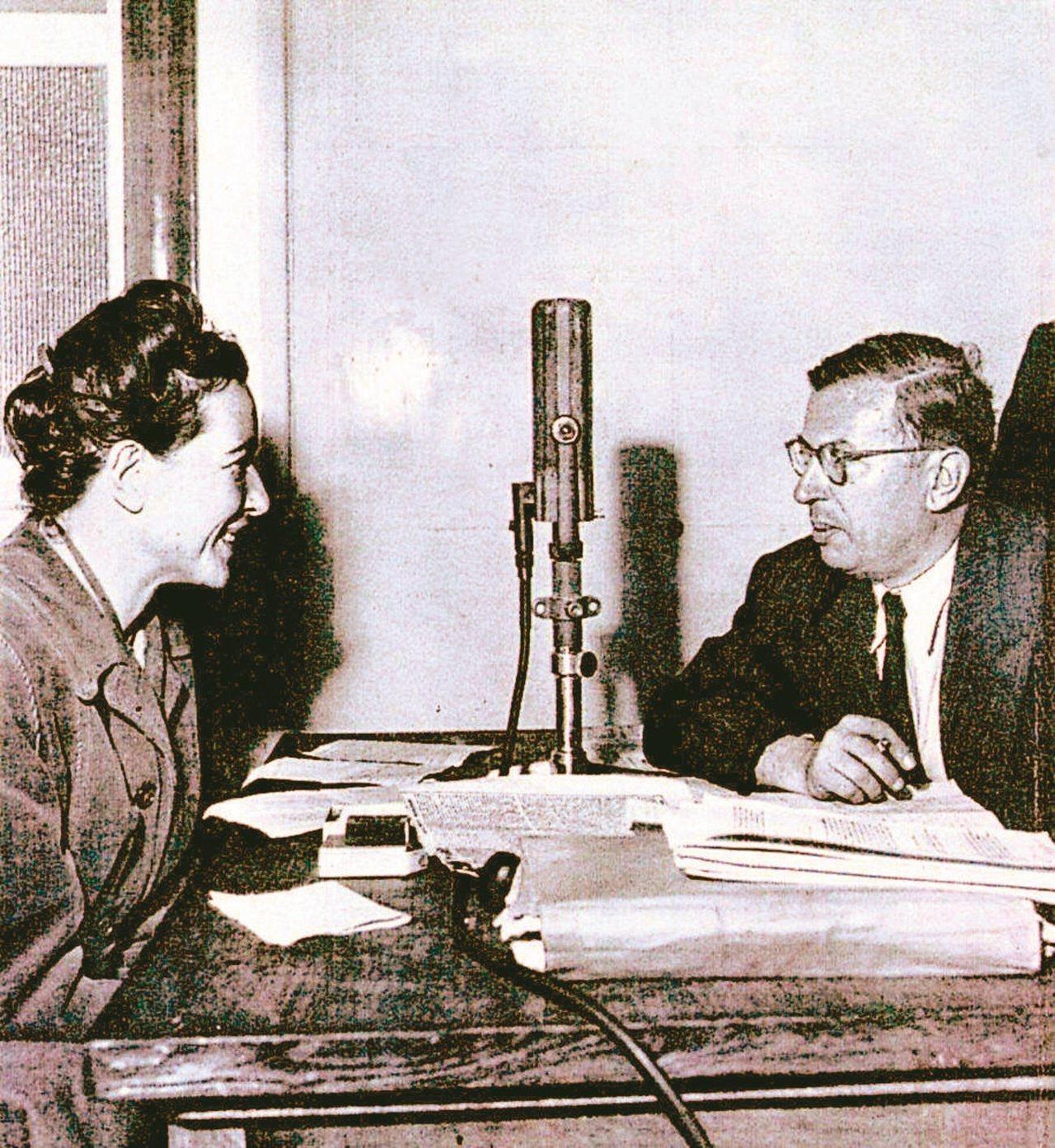 存在主義大師沙特(右)與女性主義先驅波娃(左)是彼此思想及生活上的知音。(圖/本...