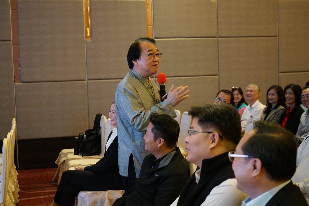 張錦貴教授與現場嘉賓互動熱烈。 業者/提供