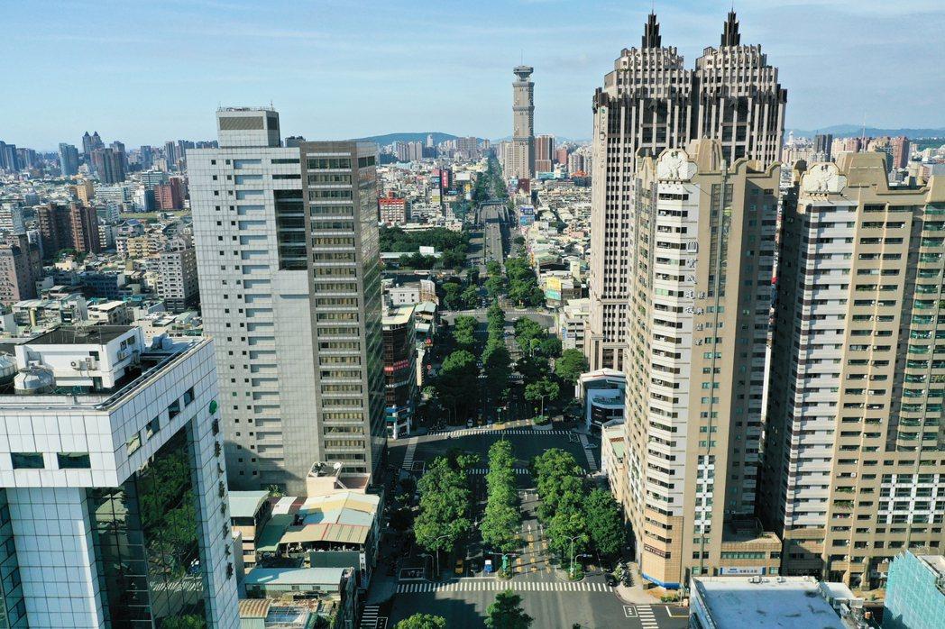 中正金融中心聚集近20家銀行。 攝影/張世雅