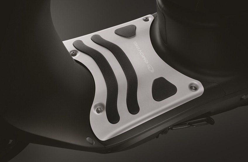 iE125人氣配件鋁合金踏板。 圖/中華汽車提供