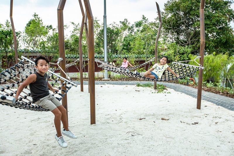 倡議遊戲空間設計,也要考量讓親子練習風險評估。 圖/取自裕廊湖濱國家公園官網