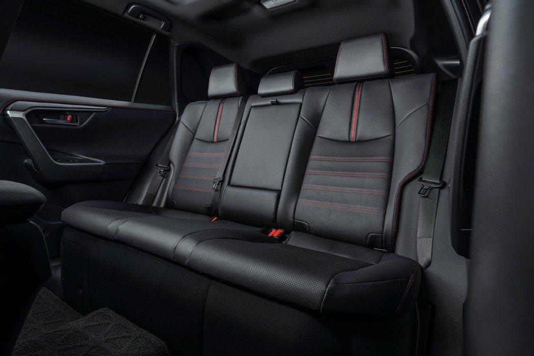 全新Toyota RAV4 Prime後排座椅。 摘自Toyota