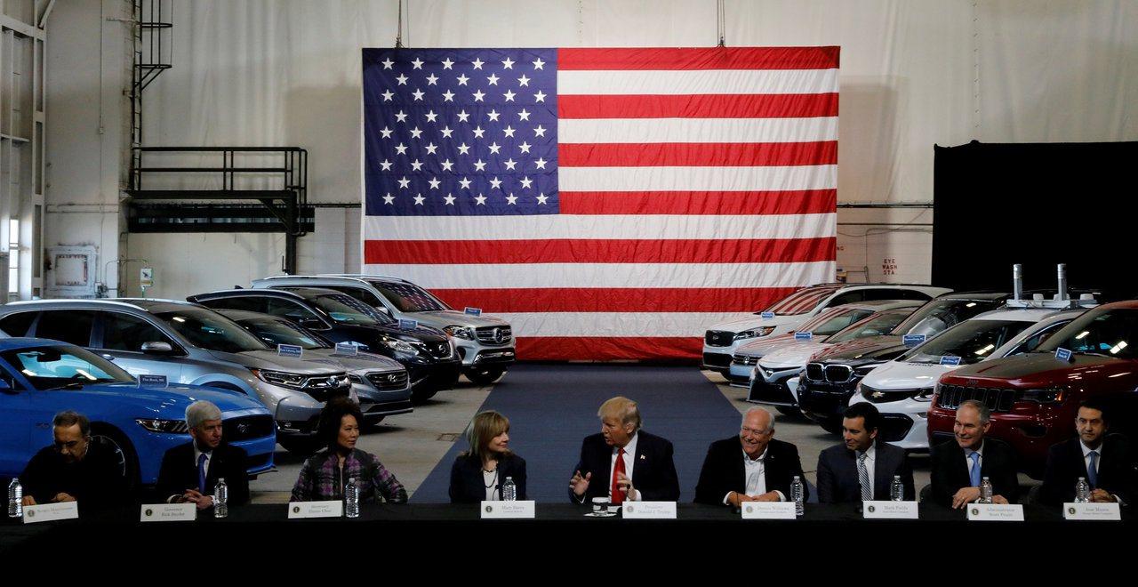 法律專家指出,232條款的期限已過,川普不能依據這項法律對進口汽車加徵關稅。 路...