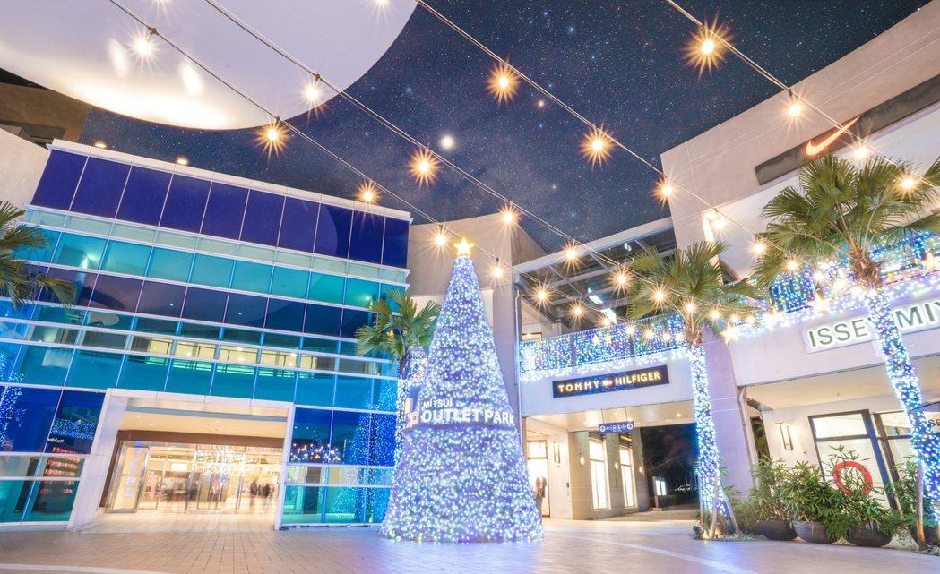 林口三井OUTLET閃耀冰極耶誕樹。圖/三井OUTLET提供