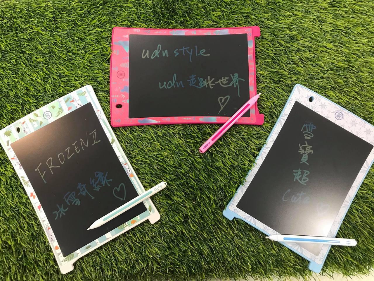 冰雪奇緣系列電紙繪板,共有艾莎、安娜、雪寶等3款,售價皆為699元,7-ELEV...