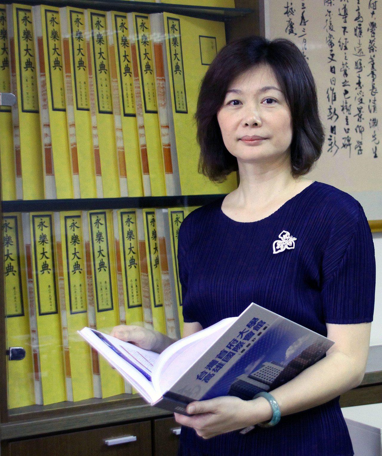台灣首府大學董事長應秀鳳。取自台灣首府大學官網