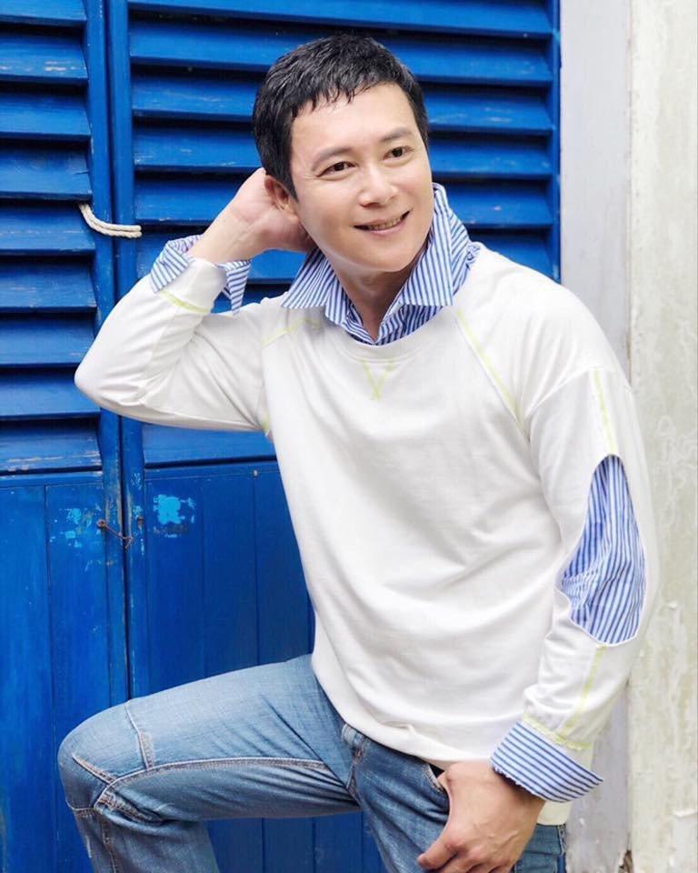 王燦在戲裡角色陰鬱,真實個性其實挺陽光的。圖/摘自臉書
