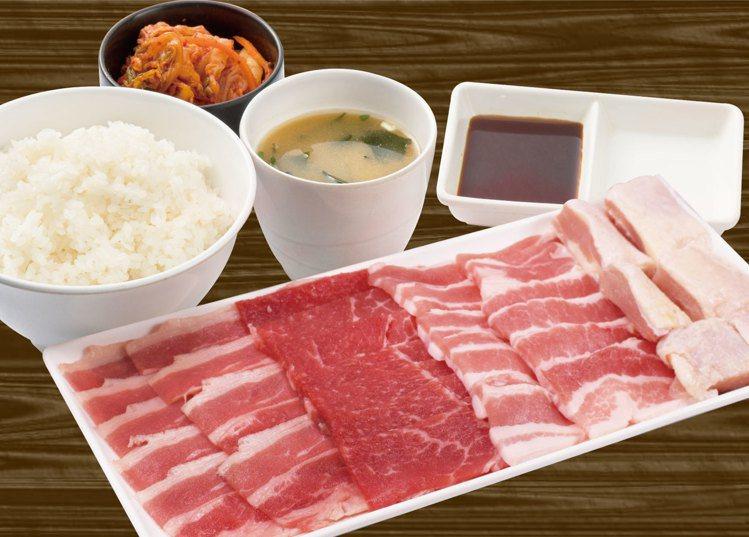 燒肉Like於京站店限定推出「超值Like套餐」,可享400公克的肉盤。圖/燒肉...
