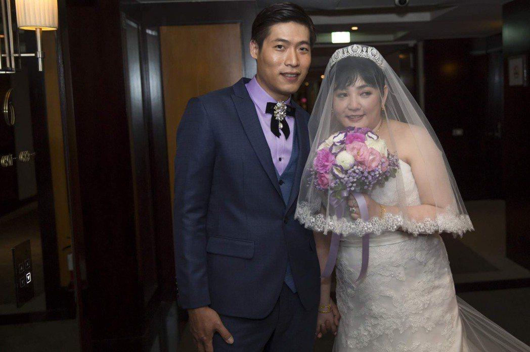 凌威威(右)和岳子樓結婚僅1年多便傳出婚變。圖/凌威威提供