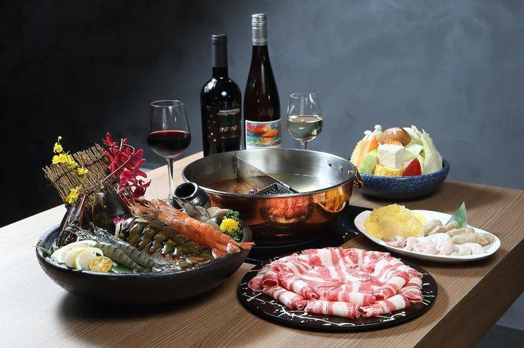 設有酒吧空間的鍋&Bar,可以體驗到火鍋配美酒的享受。記者陳睿中/攝影