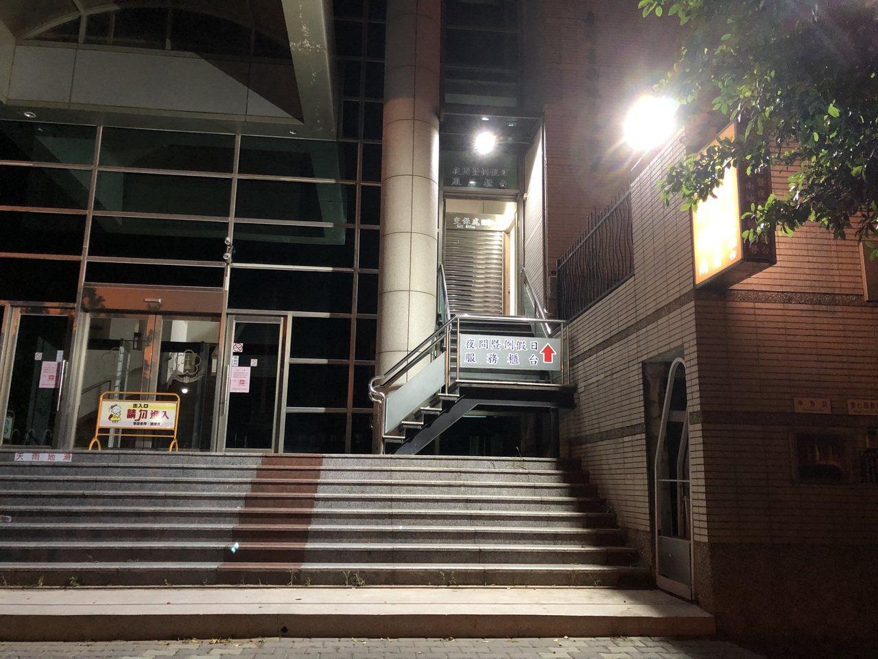 台南檢方指揮市調處及麻豆警方下午傳訊31人,包括3位是協會人員,其餘28位是會員...