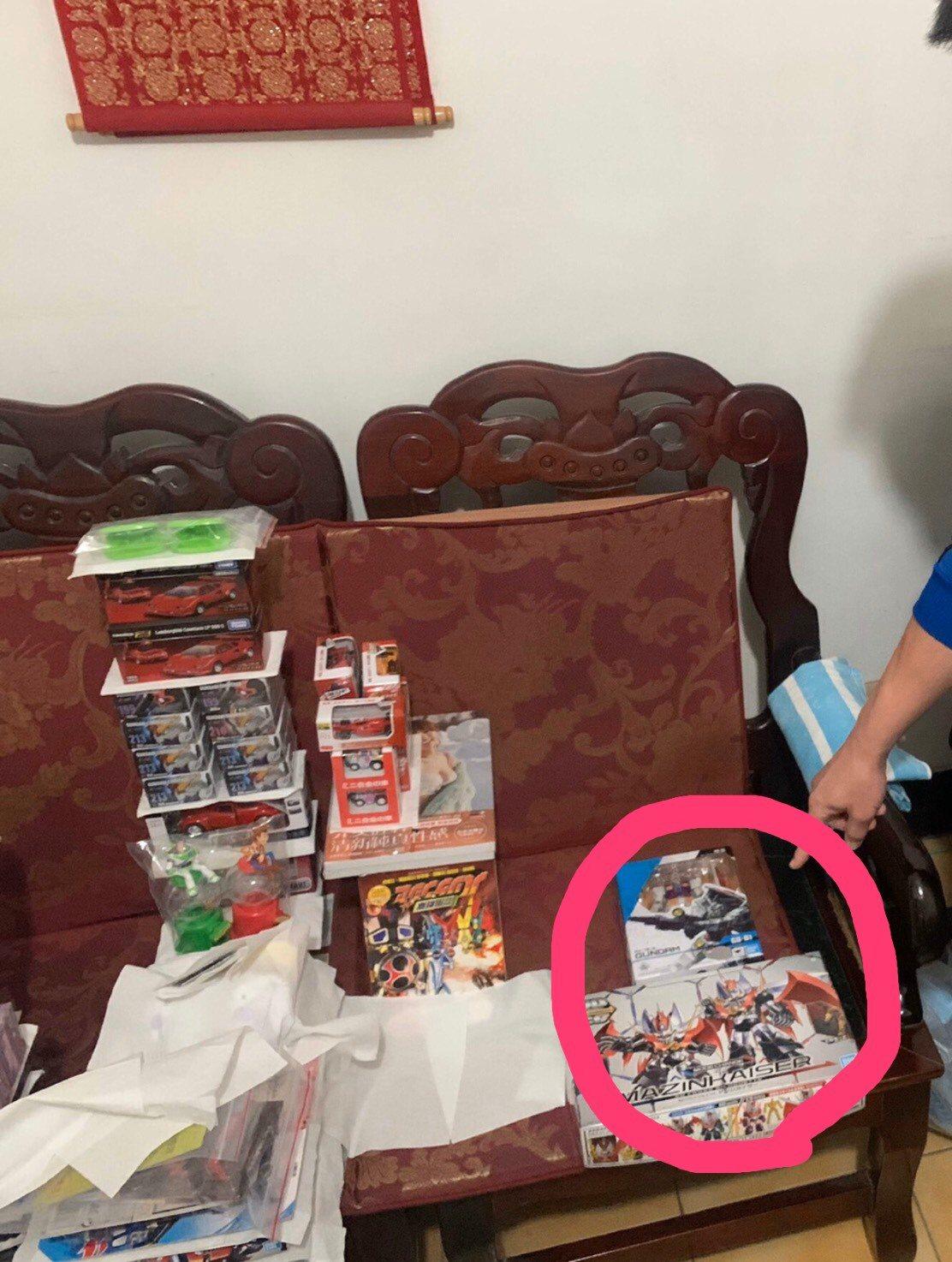 30歲吳姓模型店店長,找回被52歲歐姓嫌犯偷走的兩盒模型。記者陳弘逸/翻攝
