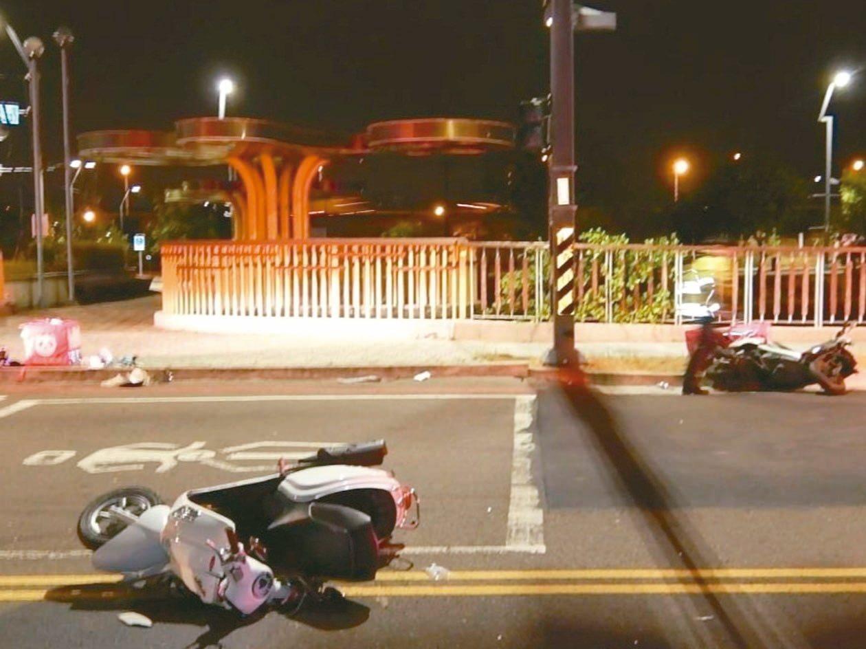 兩名外送平台foodpanda外送員,昨天凌晨在台中市黎明路、僑大三街口相撞,一...