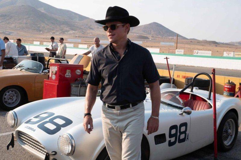 麥特戴蒙在「賽道狂人」中演出知名汽車設計師卡洛謝爾比。圖/福斯提供