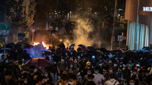 中國大陸若對美國《香港人權與民主法案》採取反制措施,恐面臨反噬風險。彭博資訊